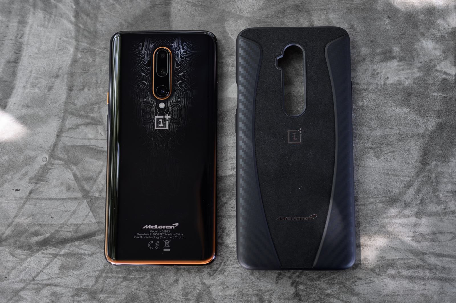 OnePlus 7T Pro McLaren Limited Edition + Case