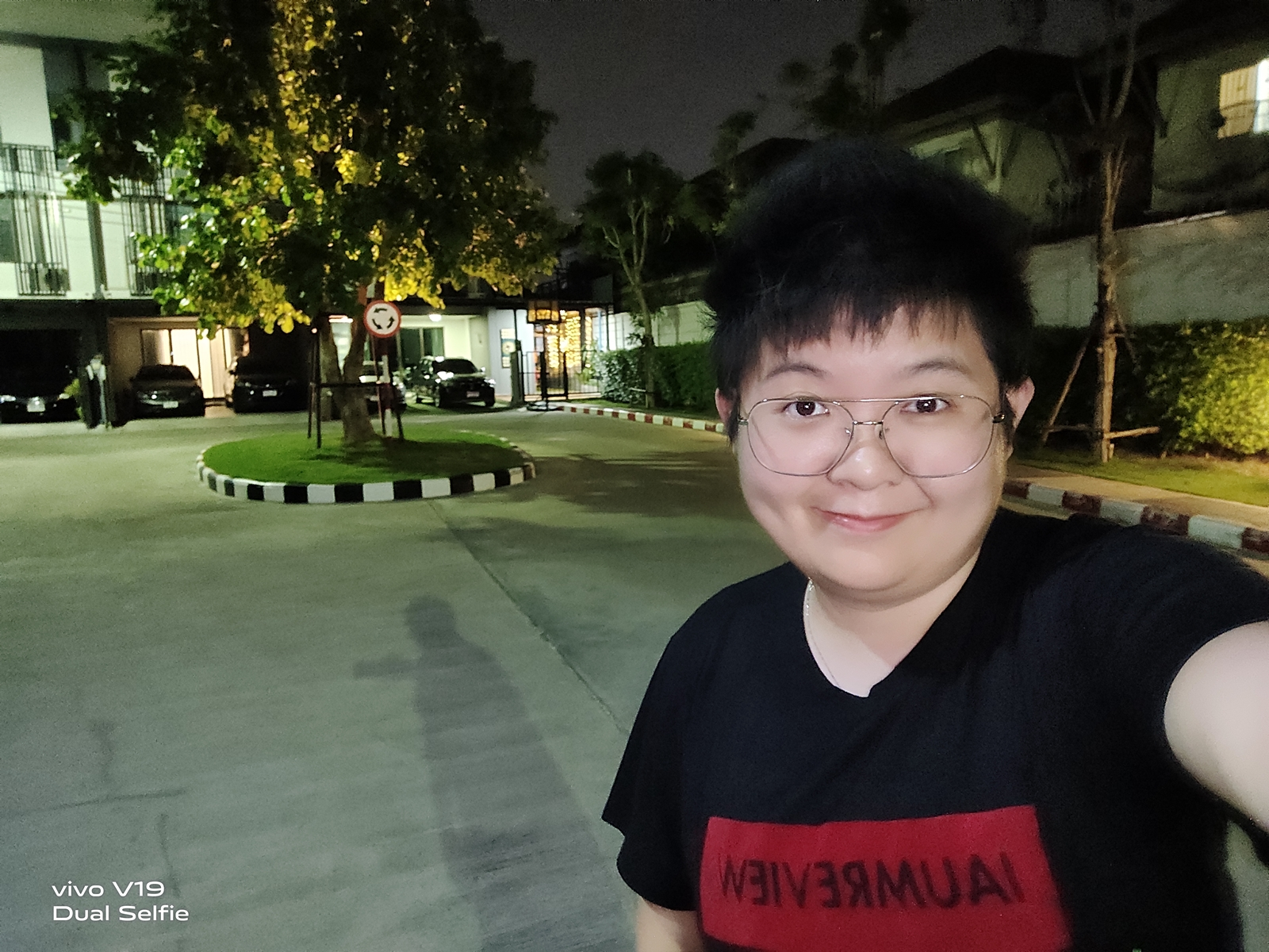 Shot on Vivo V19 - ai super night selfie