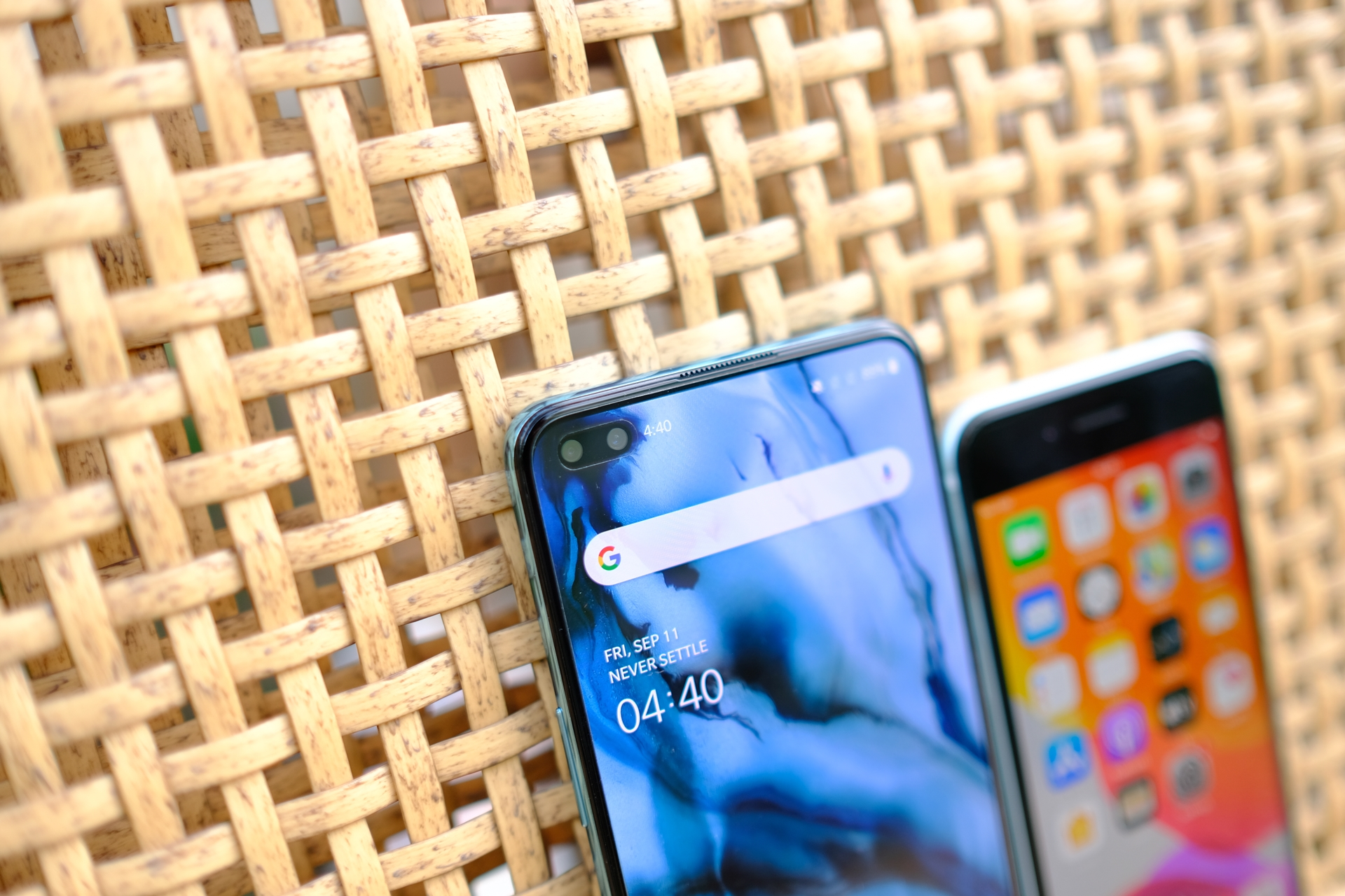 iPhone SE 2020 compare OnePlus Nord